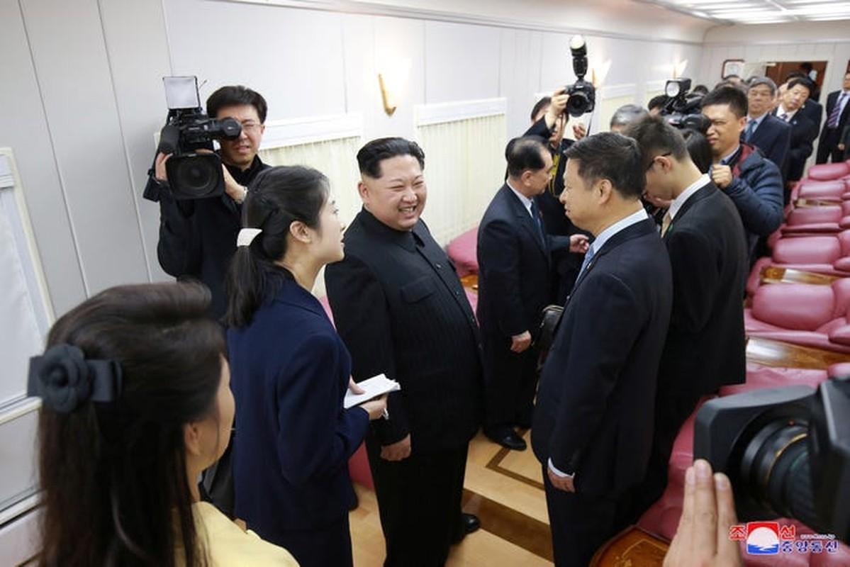 Doan tau boc thep cua ong Kim Jong Un vua di chuyen ra… gan bien?-Hinh-10