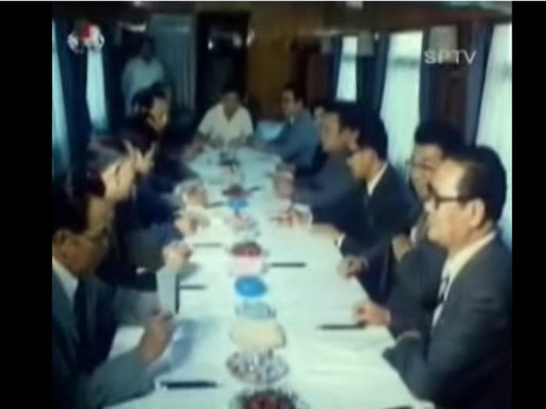 Doan tau boc thep cua ong Kim Jong Un vua di chuyen ra… gan bien?-Hinh-11