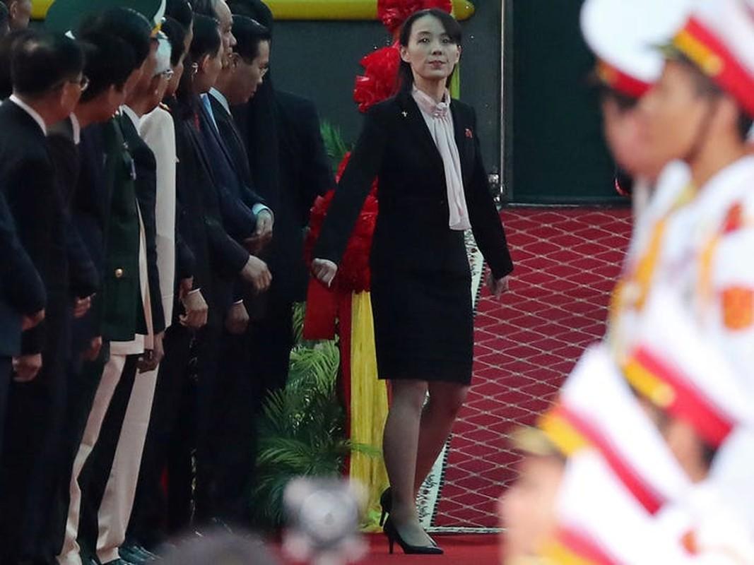 Doan tau boc thep cua ong Kim Jong Un vua di chuyen ra… gan bien?-Hinh-8