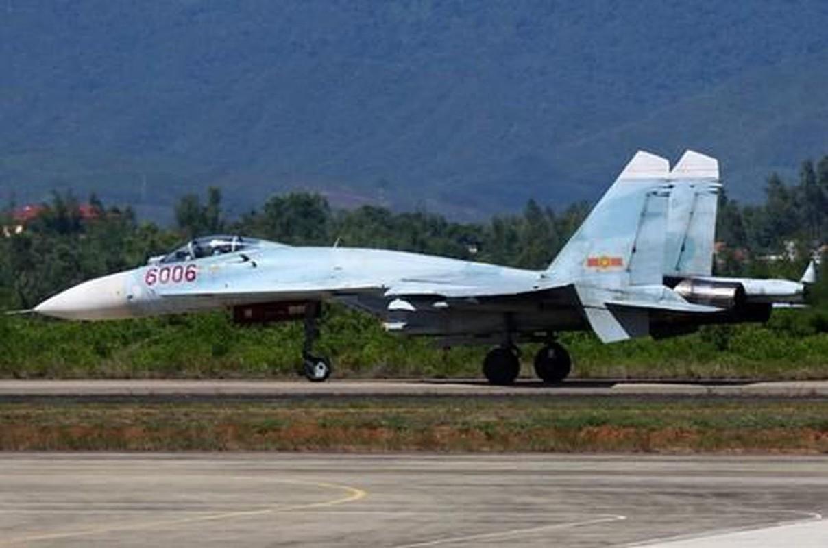 Vi sao Su-27 Viet Nam duoc nang cap o Belarus ma khong phai o Nga?