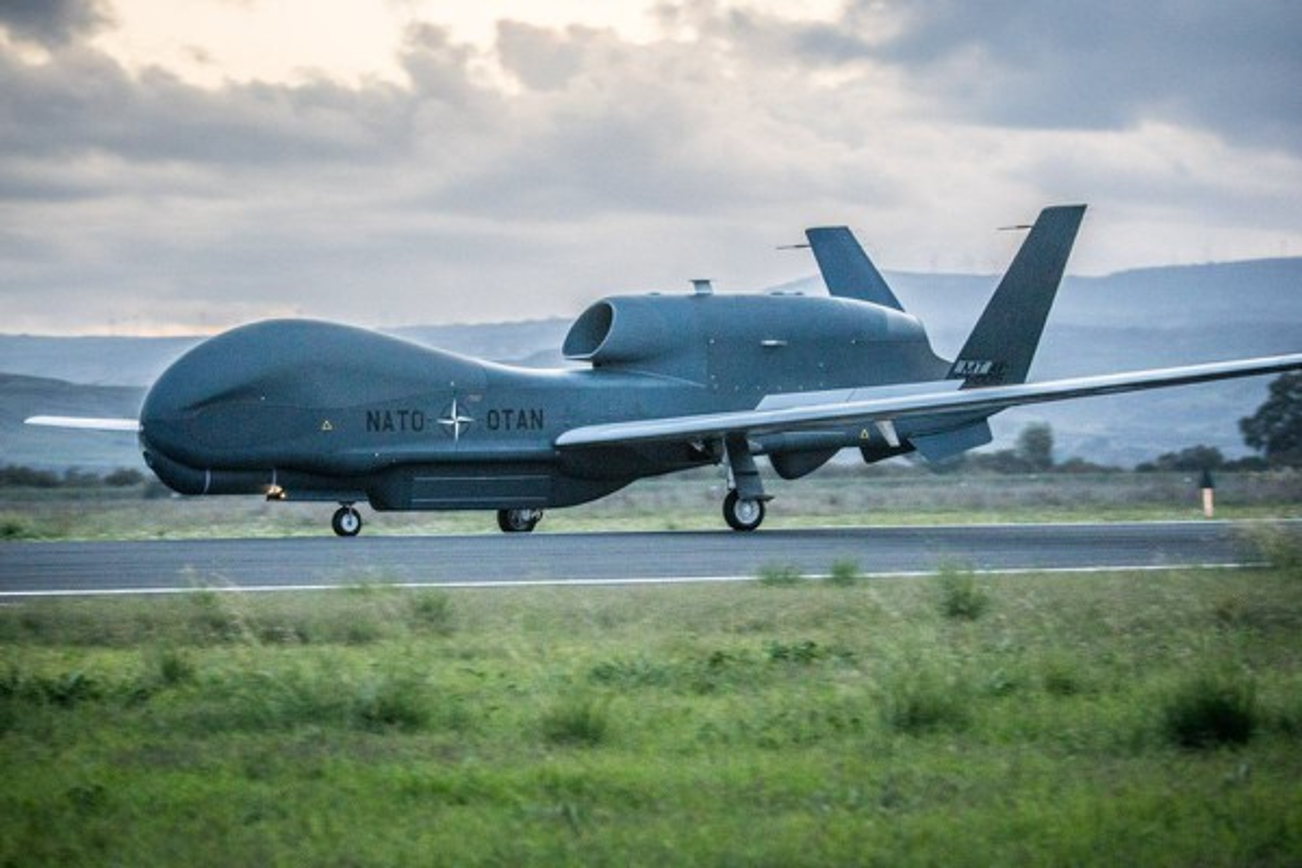 Han Quoc nhan sieu UAV do tham RQ-4 Global Hawk tu My-Hinh-9