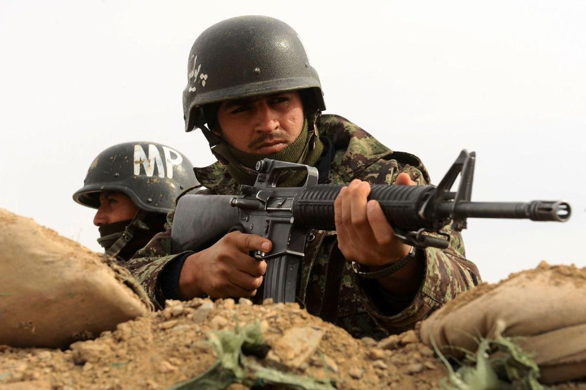 Sau man tan cong bat ngo tu Taliban, Afghanistan bat dau phan cong-Hinh-5