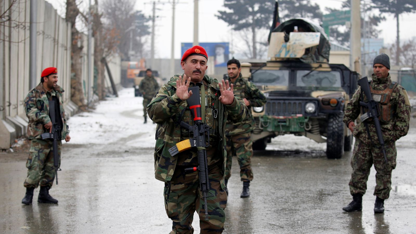 Sau man tan cong bat ngo tu Taliban, Afghanistan bat dau phan cong-Hinh-8