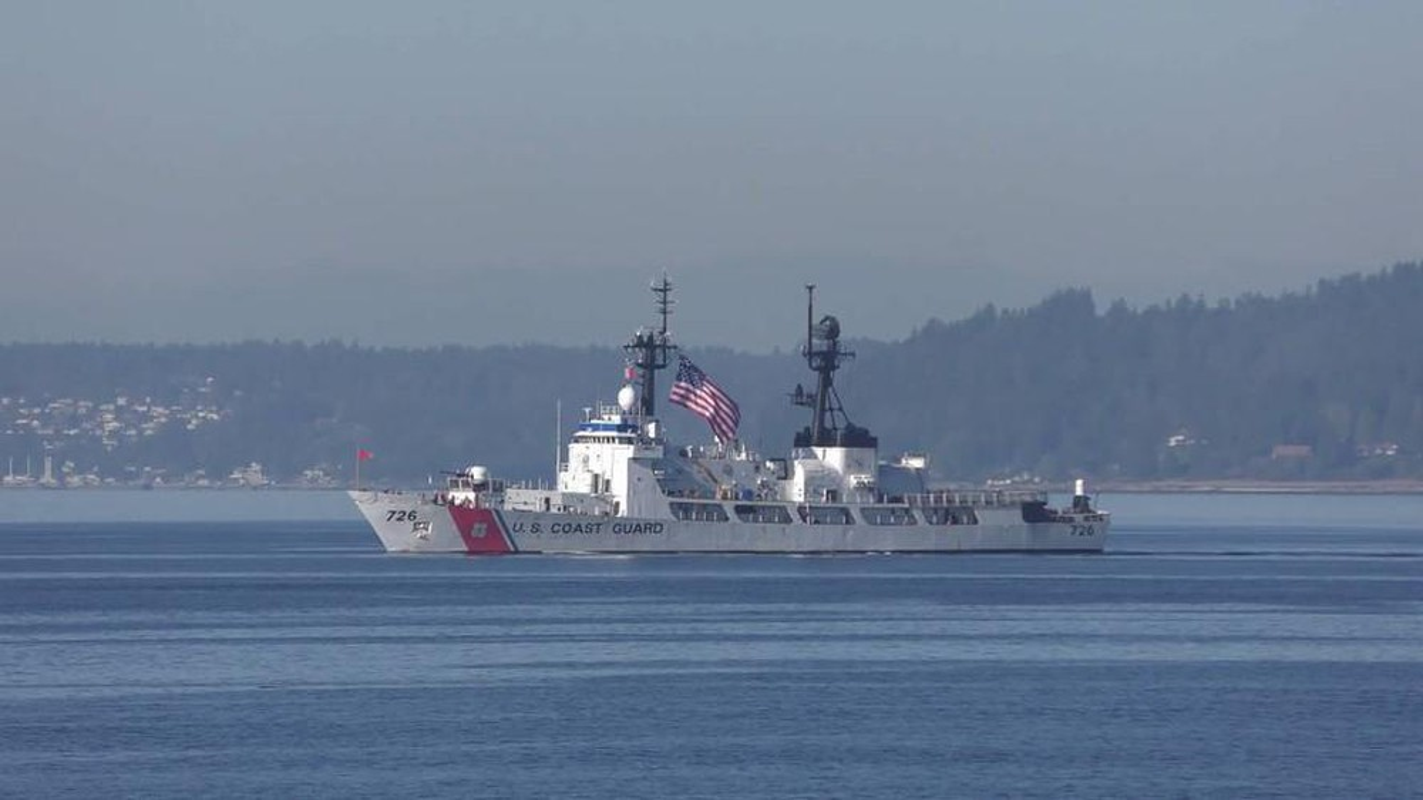 Tau tuan duyen USCGC John Midgett thao radar, vu khi... san sang ve Viet Nam-Hinh-10