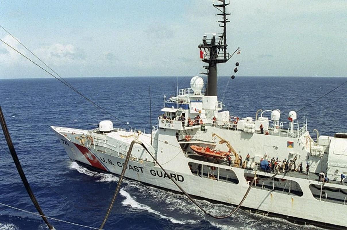 Tau tuan duyen USCGC John Midgett thao radar, vu khi... san sang ve Viet Nam-Hinh-8