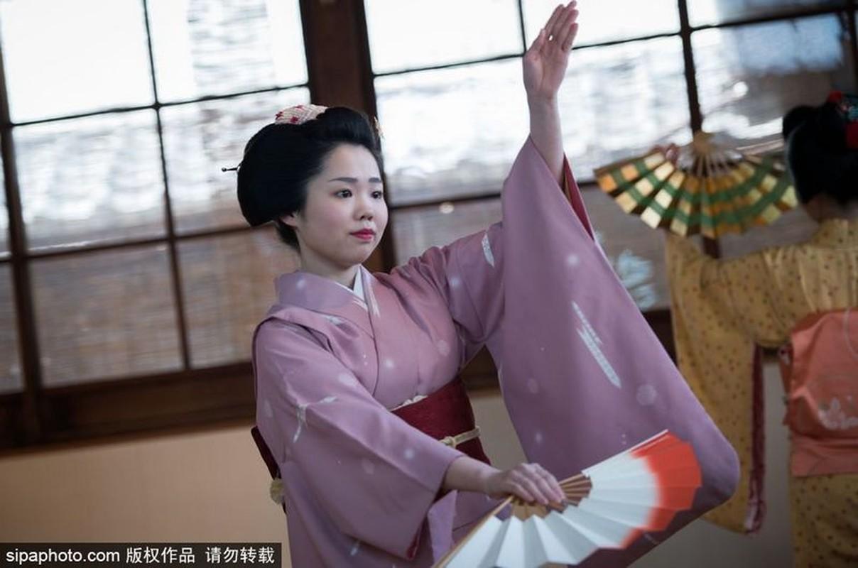 Ven man bi an hanh trinh kho luyen thanh Geisha-Hinh-2