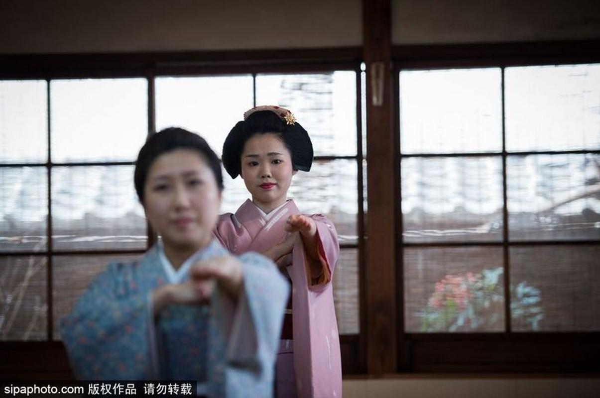 Ven man bi an hanh trinh kho luyen thanh Geisha-Hinh-3