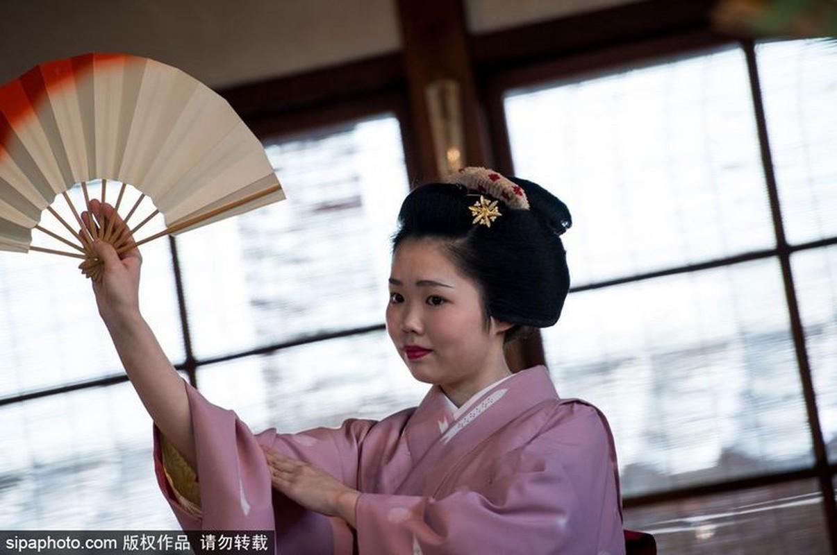 Ven man bi an hanh trinh kho luyen thanh Geisha-Hinh-4