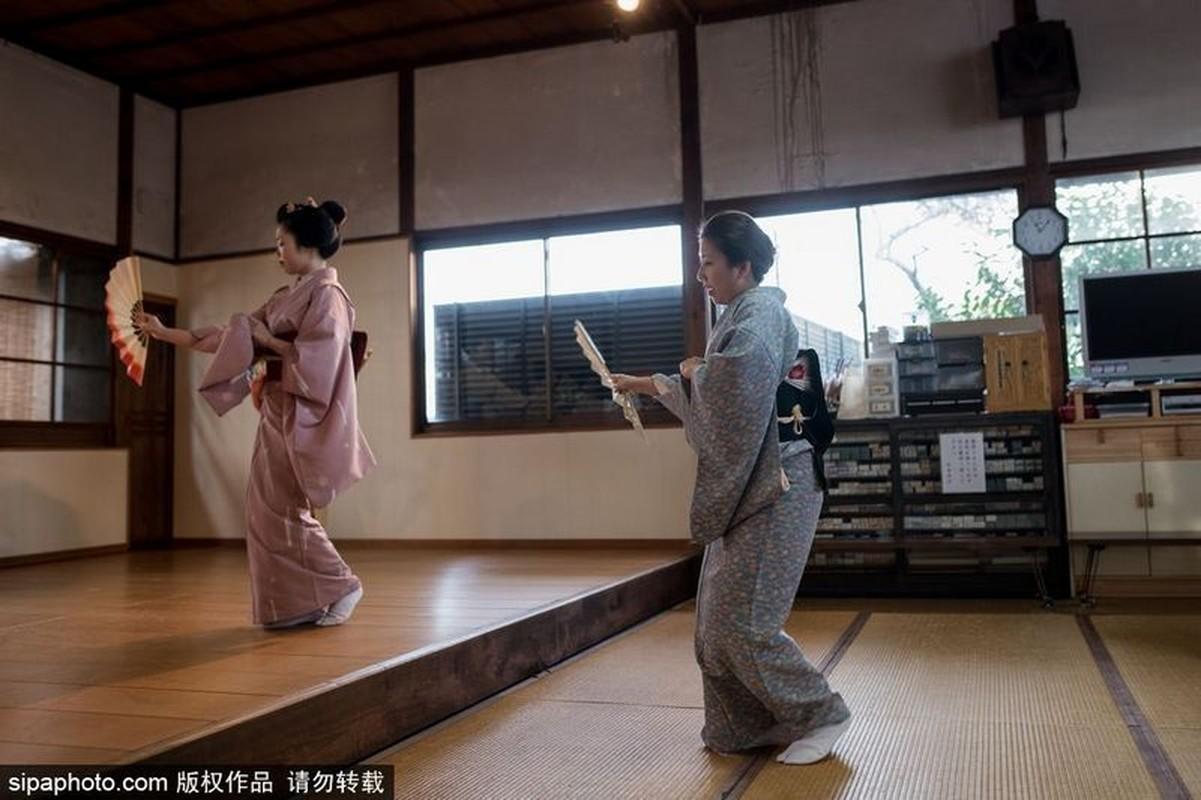 Ven man bi an hanh trinh kho luyen thanh Geisha-Hinh-7