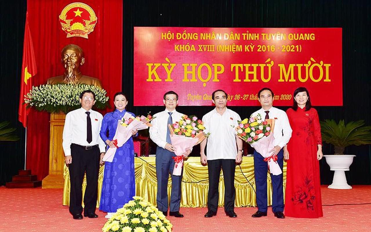 Chan dung tan Chu tich tinh Tuyen Quang Nguyen Van Son