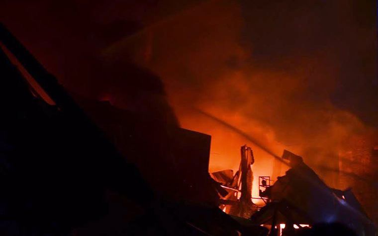 Hình ảnh tan hoang sau vụ chay kinh hoang giua TP HCM-Hinh-7