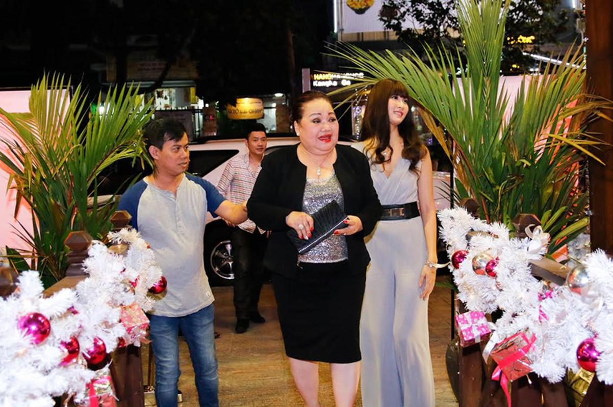 Diem Huong Nam Em mung sinh nhat ba ngoai NSND Ngoc Giau-Hinh-2