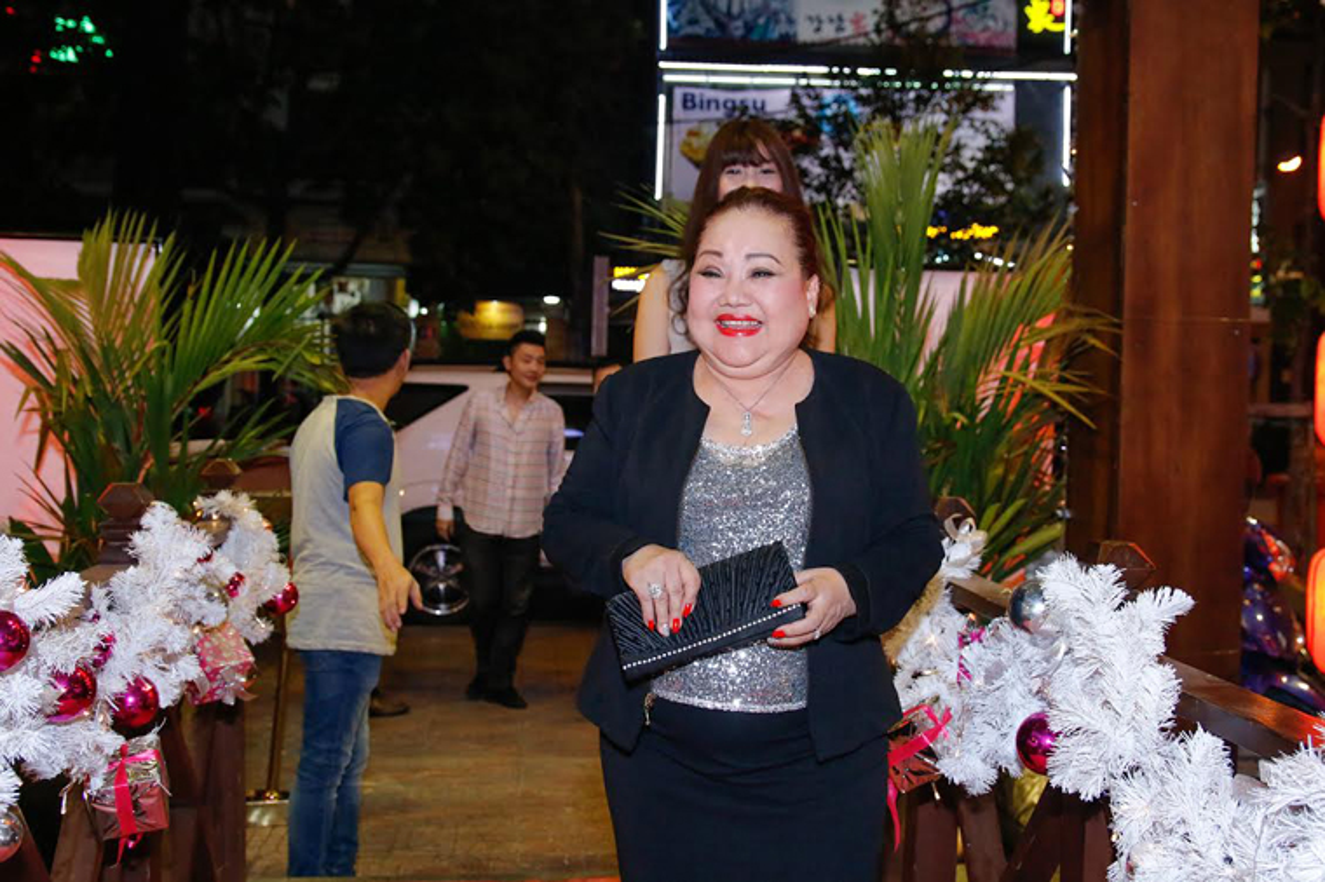 Diem Huong Nam Em mung sinh nhat ba ngoai NSND Ngoc Giau-Hinh-3