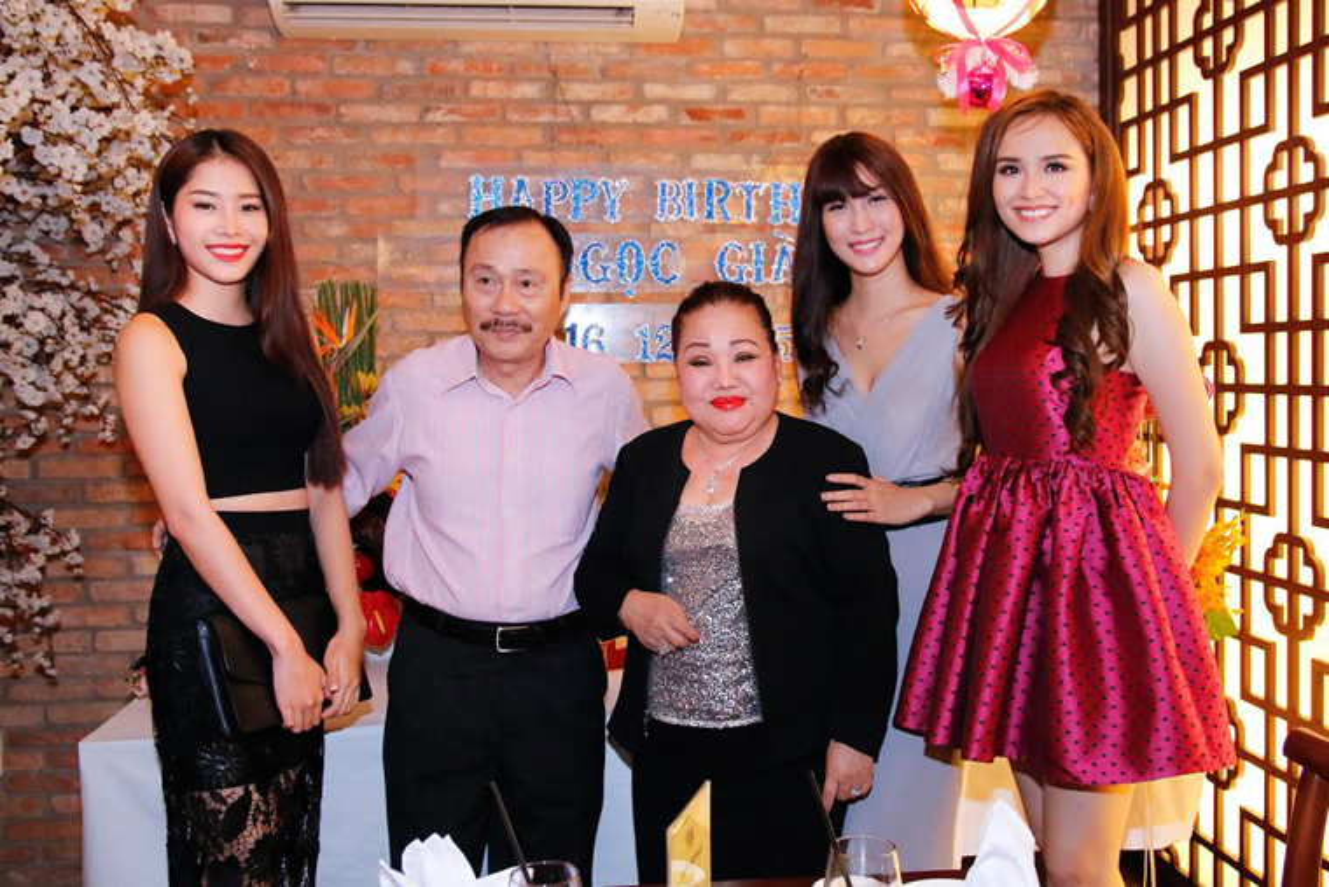 Diem Huong Nam Em mung sinh nhat ba ngoai NSND Ngoc Giau-Hinh-4