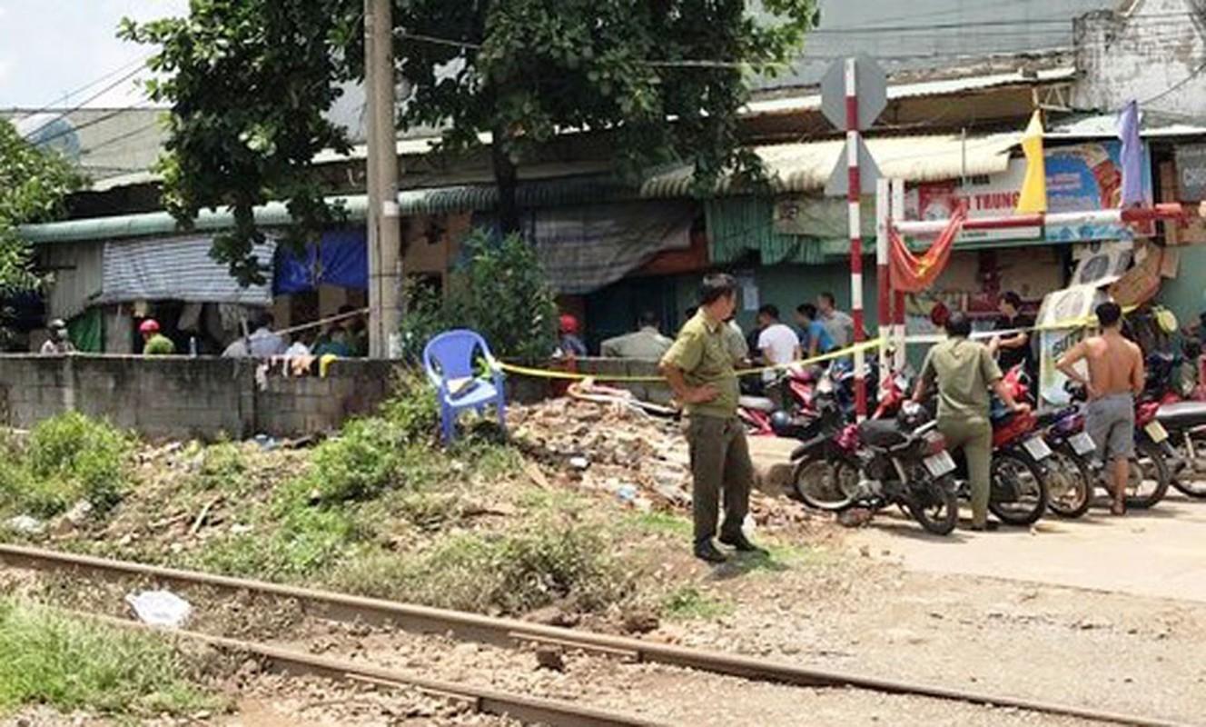 Anh: Hien truong vo mang thai 8 thang cung chong con chet bat thuong-Hinh-8