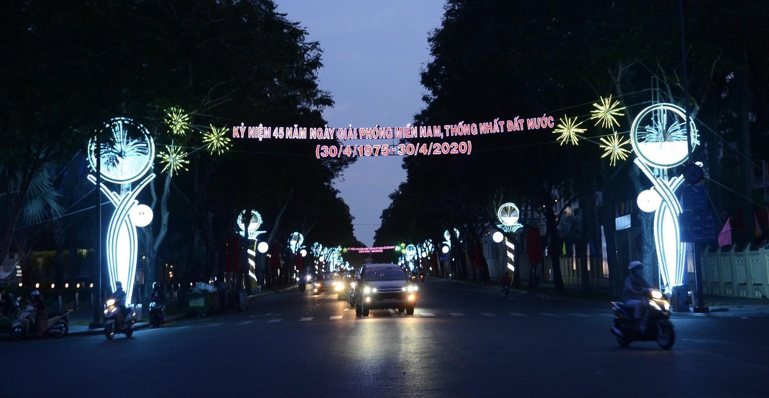 TPHCM ruc ro co hoa don mung 45 nam ngay thong nhat dat nuoc-Hinh-4