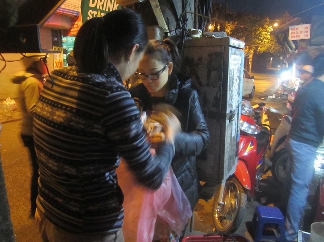 Nguoi HN doi mua xep hang dang ky tiem vacxin 5 trong 1-Hinh-7