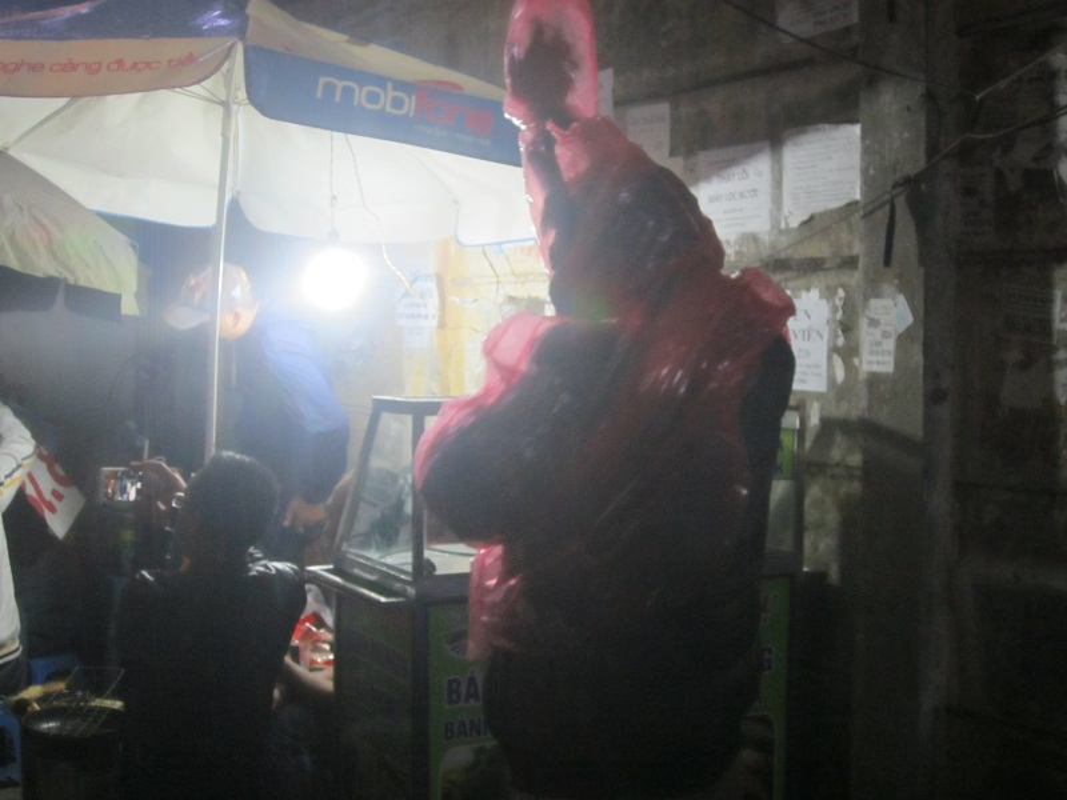 Nguoi HN doi mua xep hang dang ky tiem vacxin 5 trong 1-Hinh-8