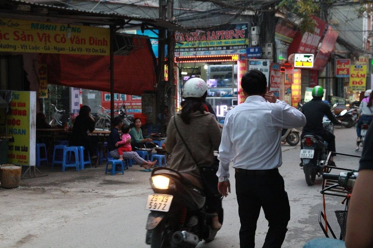 Dan HN quan dui ao coc dao pho giua mua dong-Hinh-5
