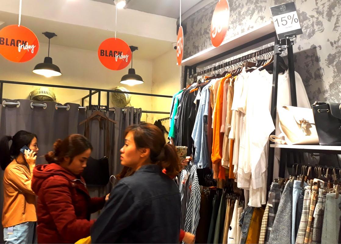 Do xo mua thoi trang giam gia khung dip Black Friday-Hinh-12