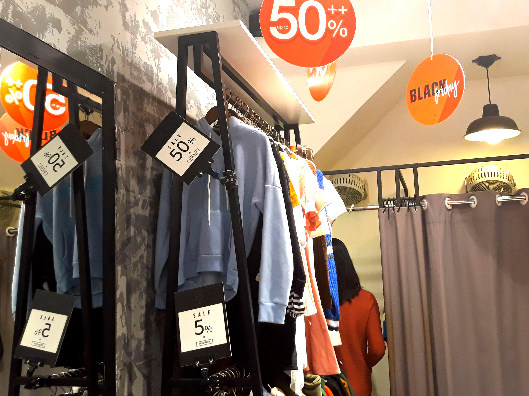 Do xo mua thoi trang giam gia khung dip Black Friday-Hinh-13