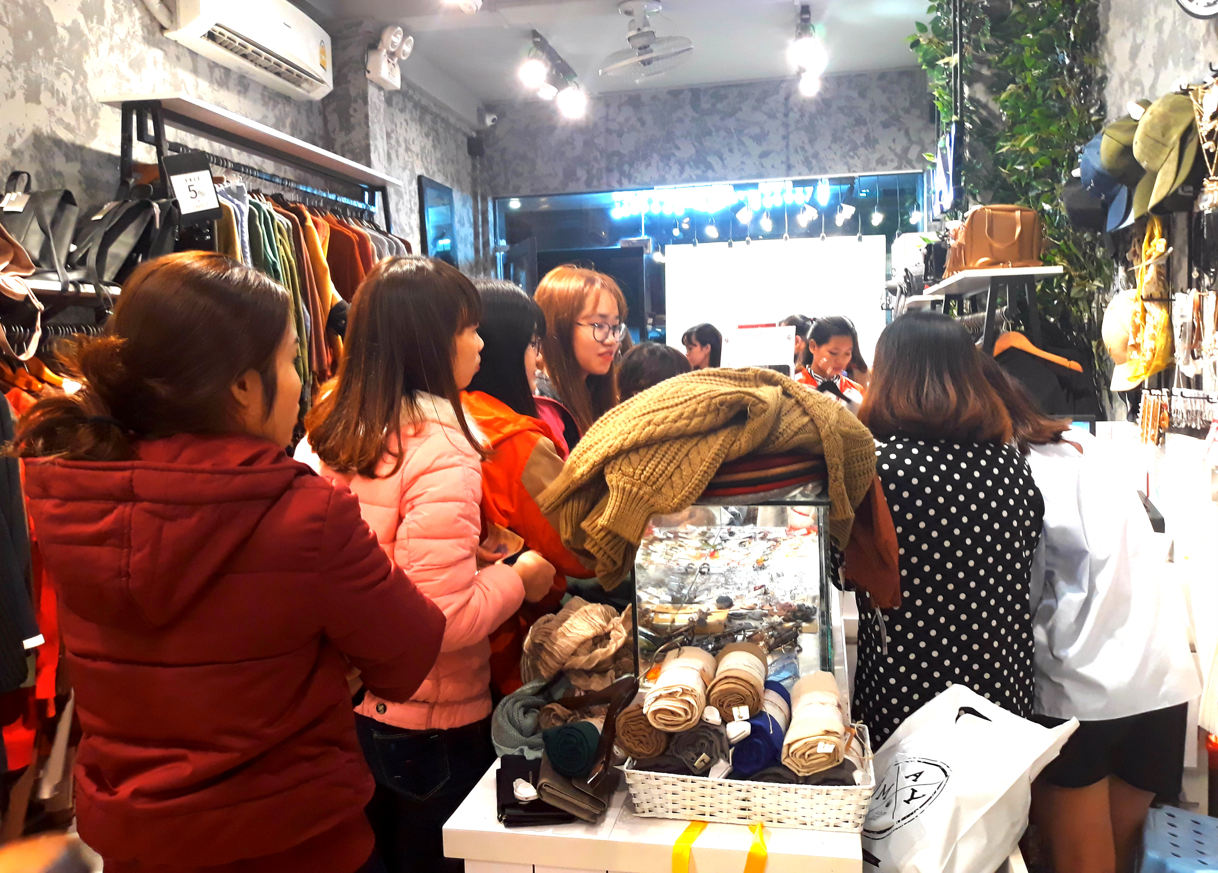 Do xo mua thoi trang giam gia khung dip Black Friday-Hinh-14