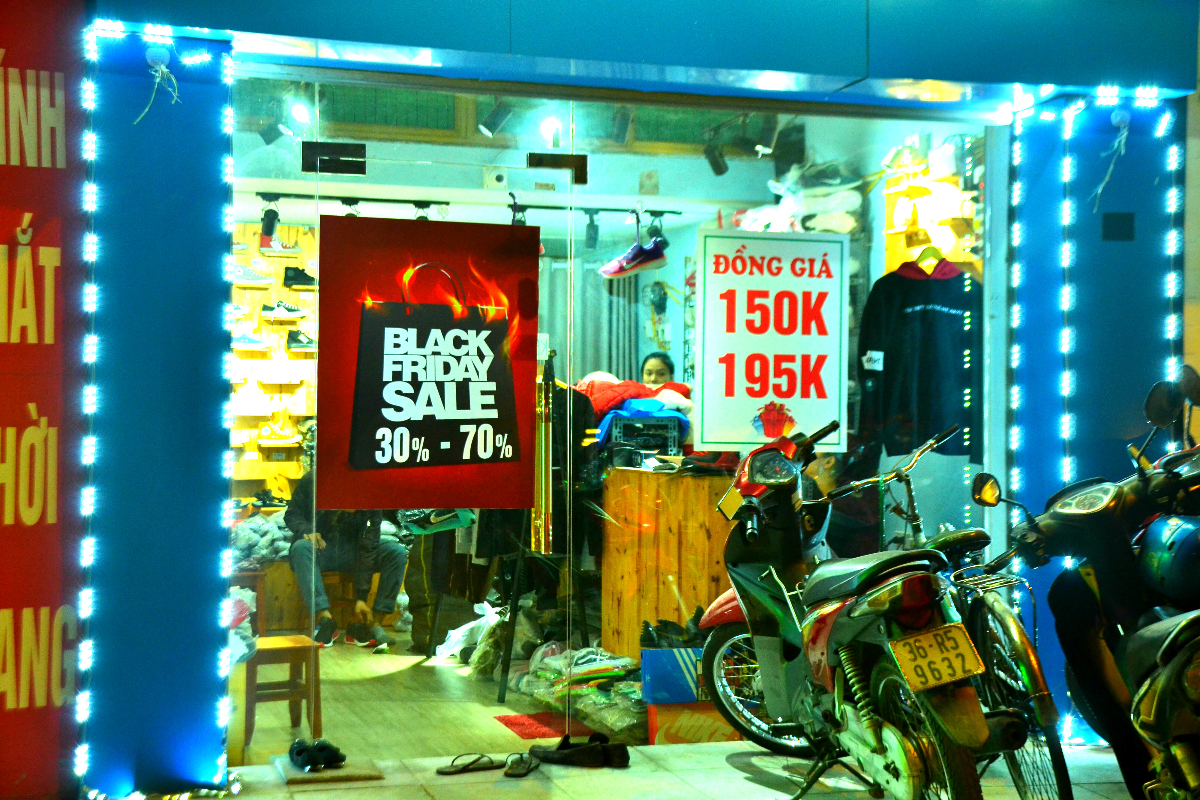Do xo mua thoi trang giam gia khung dip Black Friday-Hinh-17