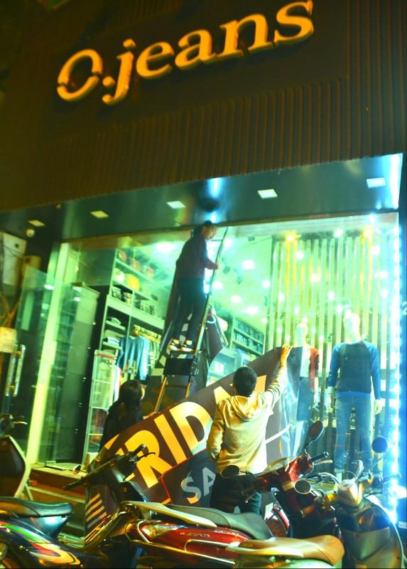 Do xo mua thoi trang giam gia khung dip Black Friday-Hinh-18