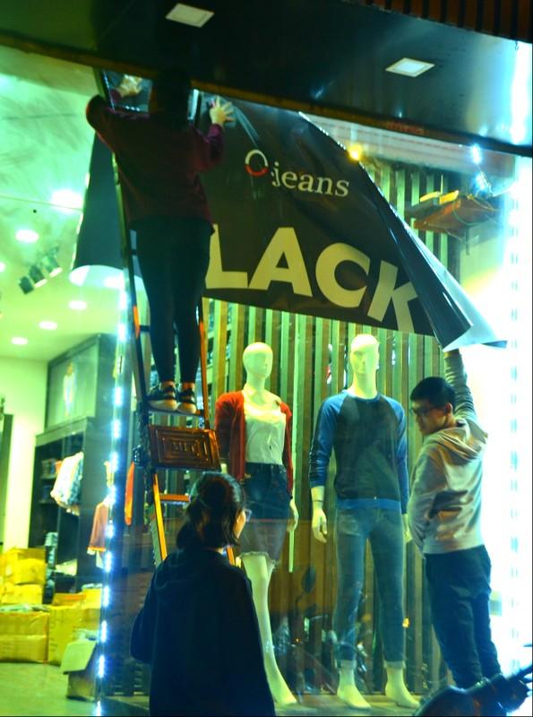 Do xo mua thoi trang giam gia khung dip Black Friday-Hinh-19