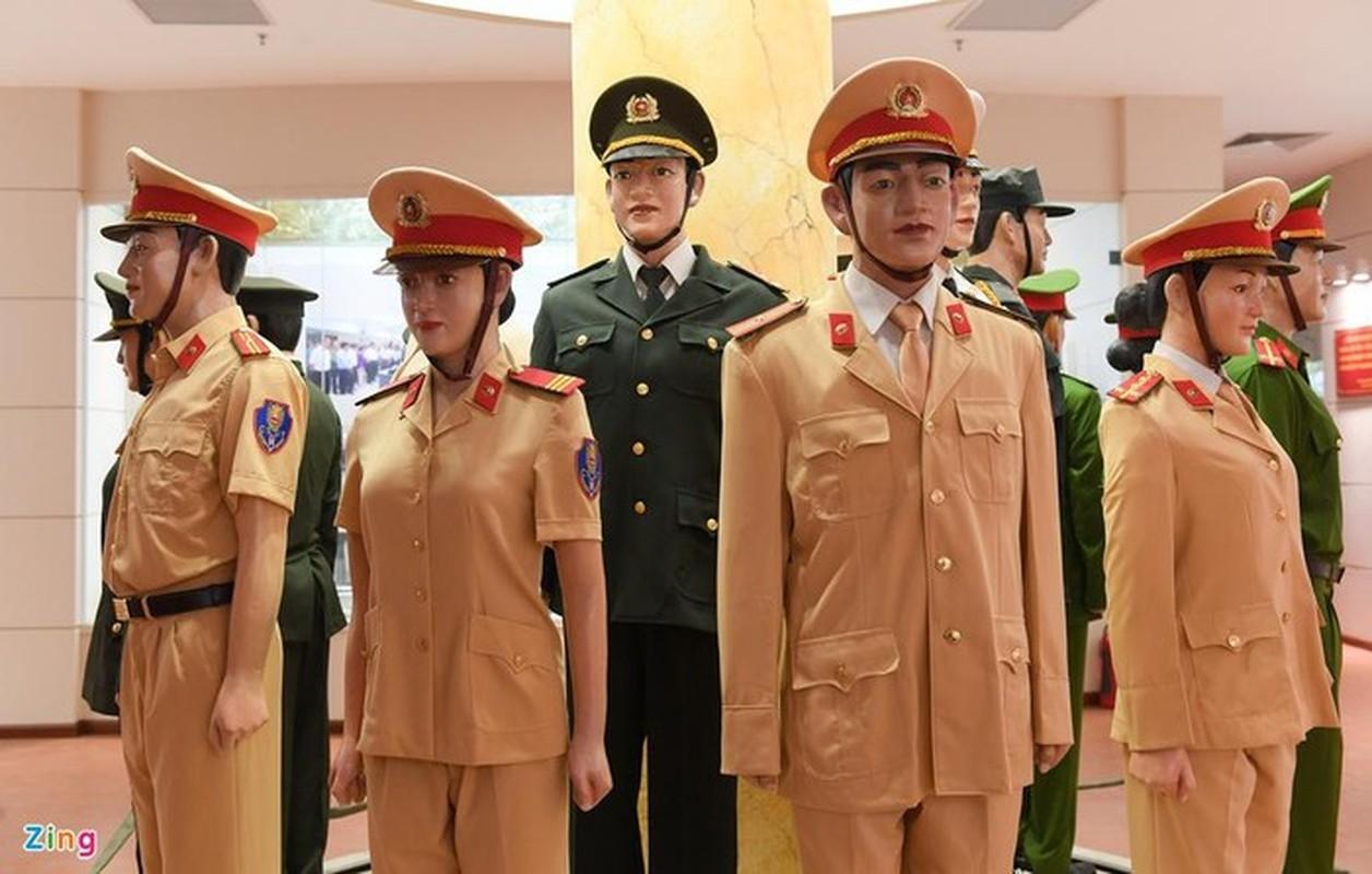 Ngam trang phuc CSGT qua cac thoi ky-Hinh-7