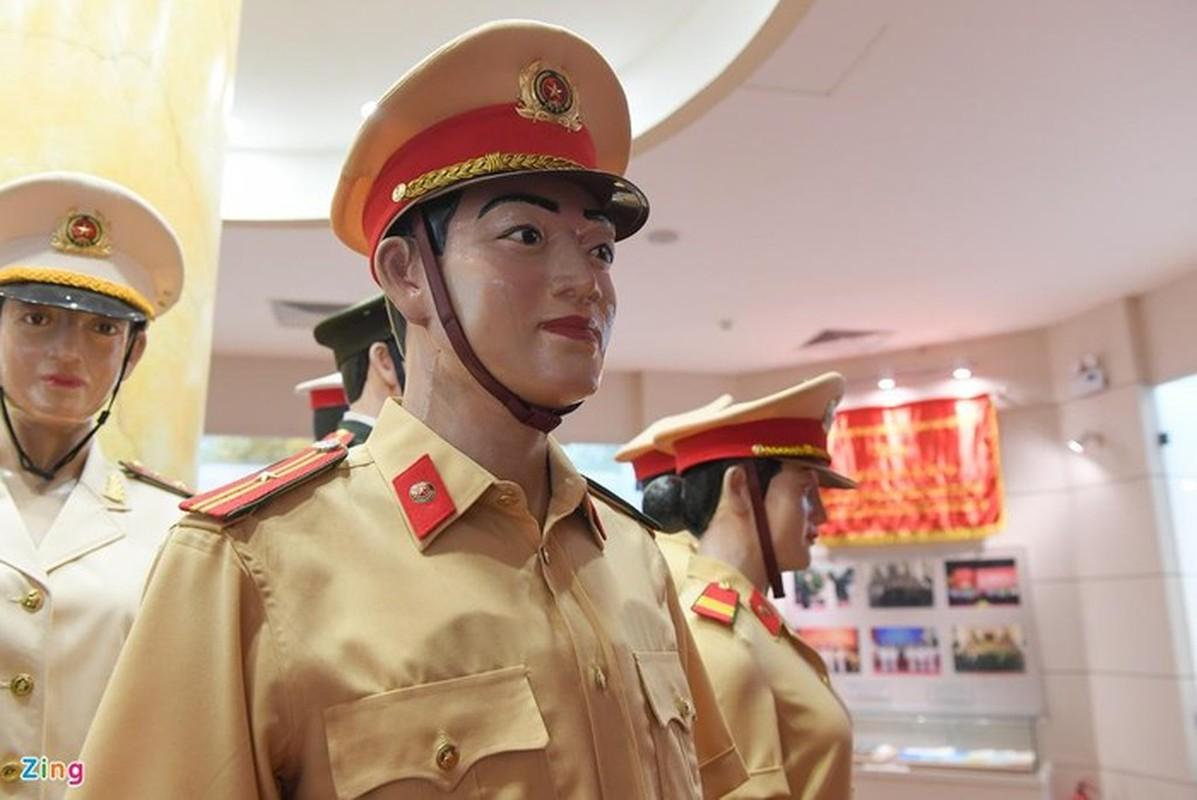 Ngam trang phuc CSGT qua cac thoi ky-Hinh-8
