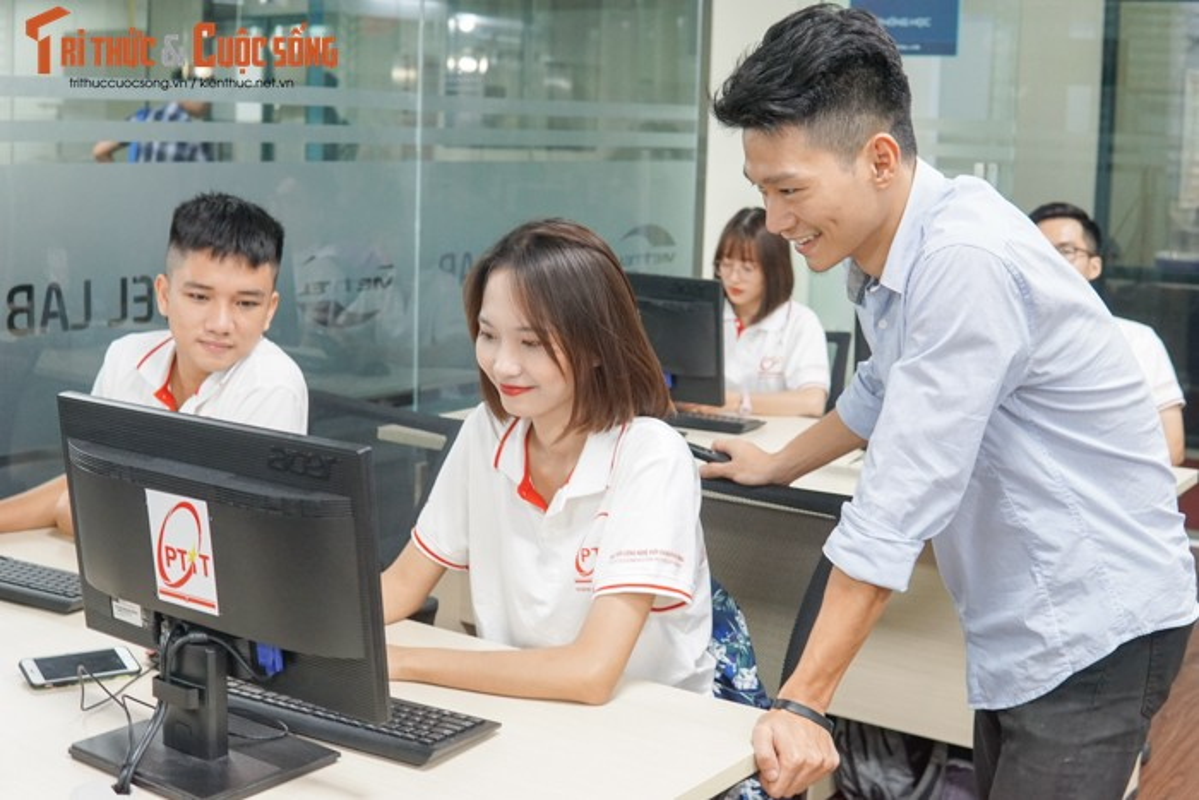 Co gi ben trong phong lab 4G LTE tri gia 8,5 ty dau tien Viet Nam?-Hinh-10