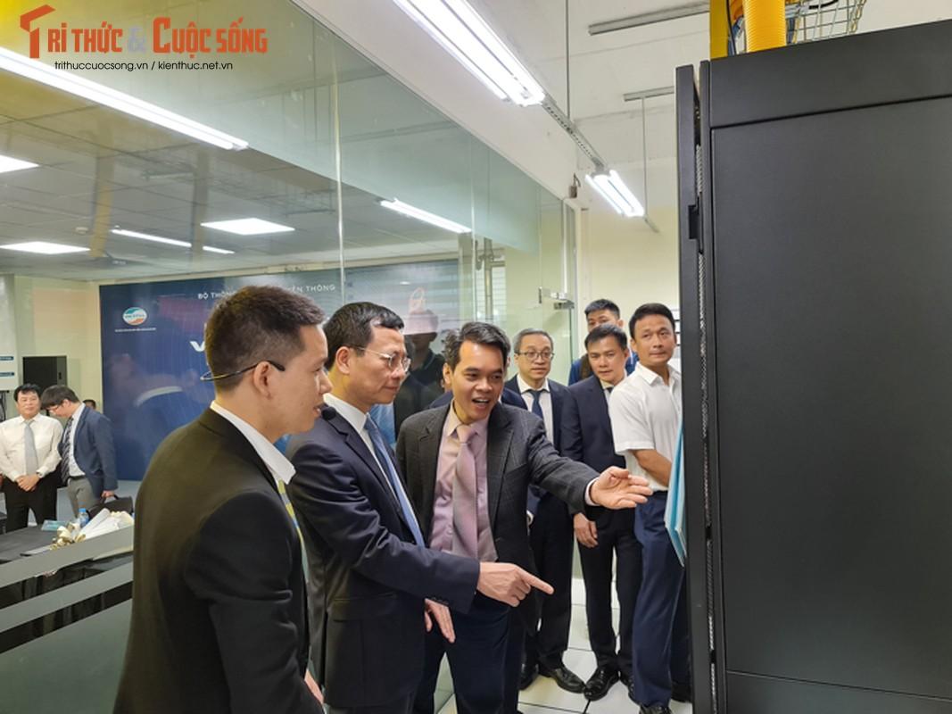 Co gi ben trong phong lab 4G LTE tri gia 8,5 ty dau tien Viet Nam?-Hinh-2