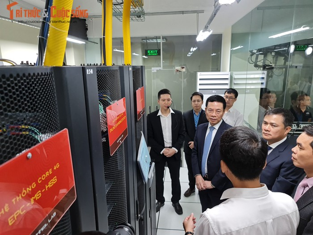 Co gi ben trong phong lab 4G LTE tri gia 8,5 ty dau tien Viet Nam?-Hinh-3