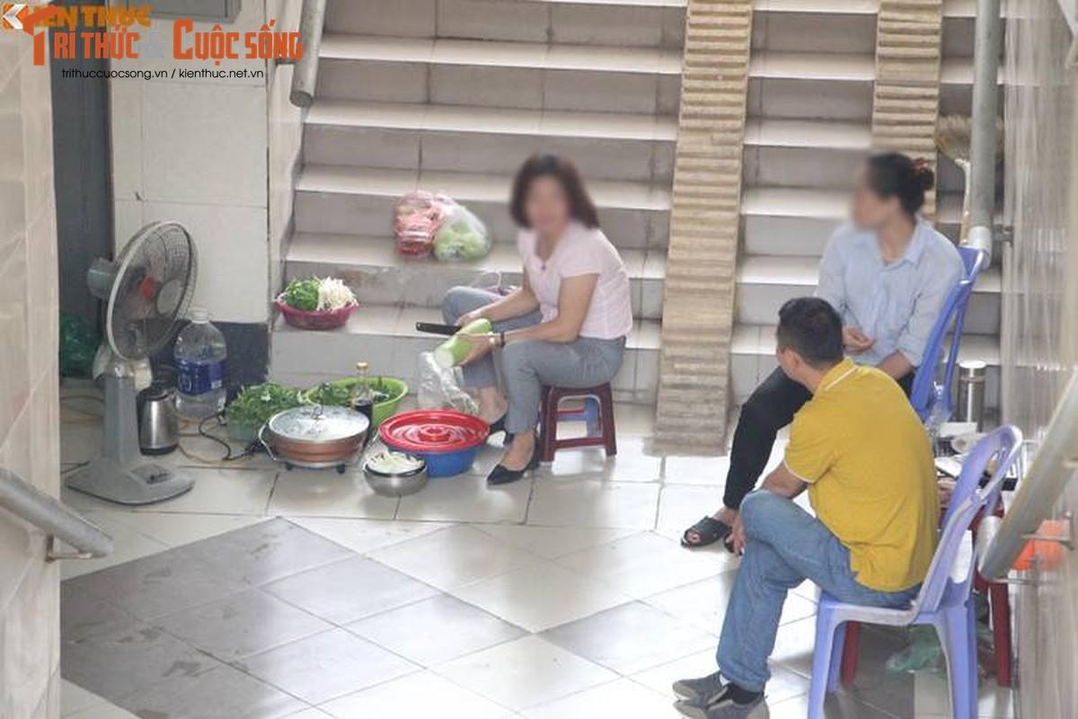 Dan nau lau duoi duong ham di bo nghin ty o Ha Noi-Hinh-2