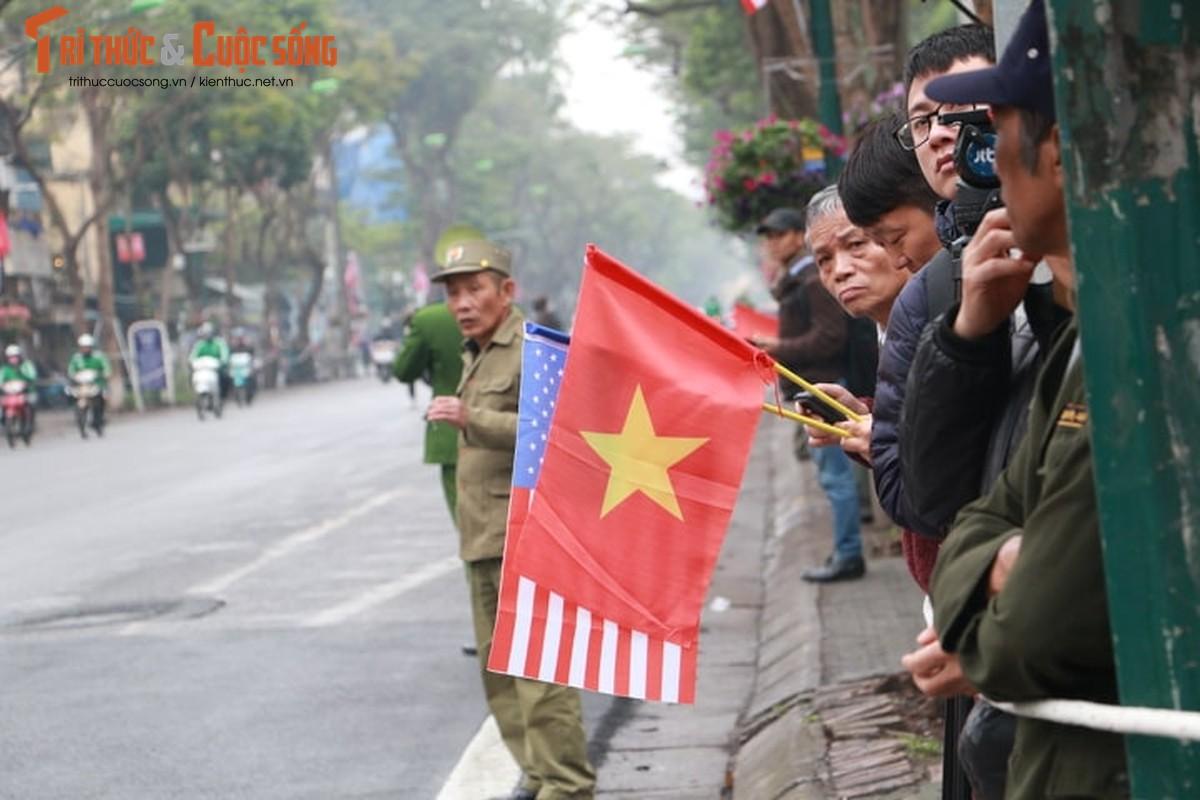 Xuc dong hinh anh nguoi dan Ha Noi don mung Chu tich Kim Jong-un-Hinh-10
