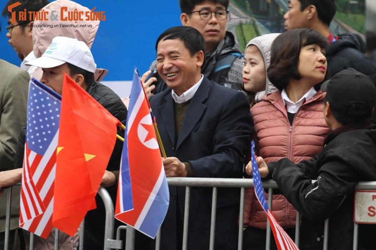 Xuc dong hinh anh nguoi dan Ha Noi don mung Chu tich Kim Jong-un-Hinh-11