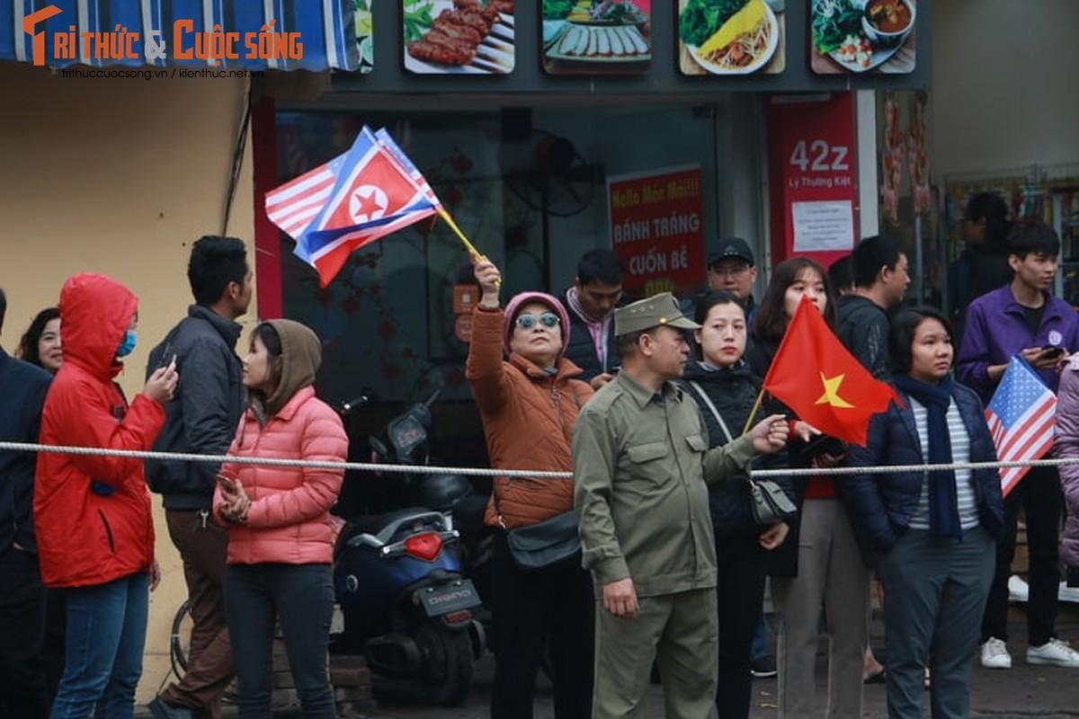 Xuc dong hinh anh nguoi dan Ha Noi don mung Chu tich Kim Jong-un-Hinh-13