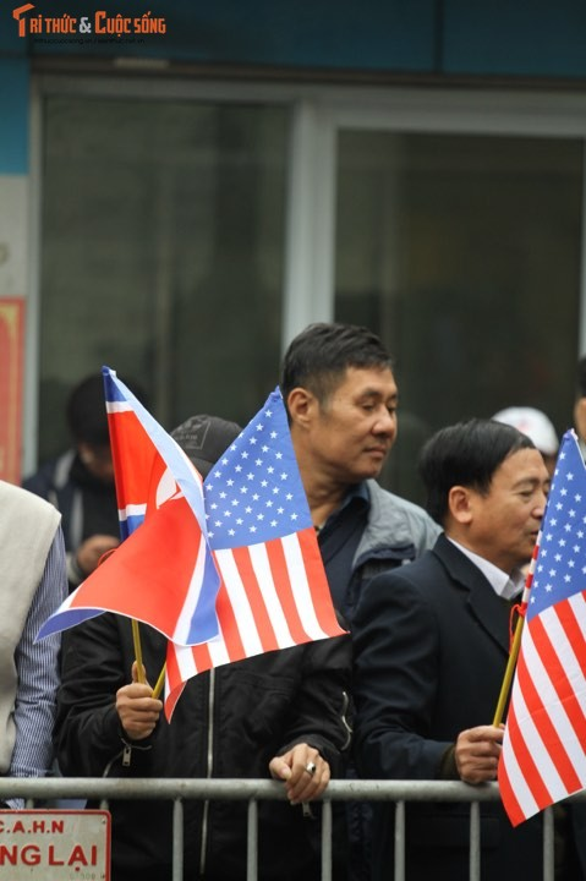 Xuc dong hinh anh nguoi dan Ha Noi don mung Chu tich Kim Jong-un-Hinh-4
