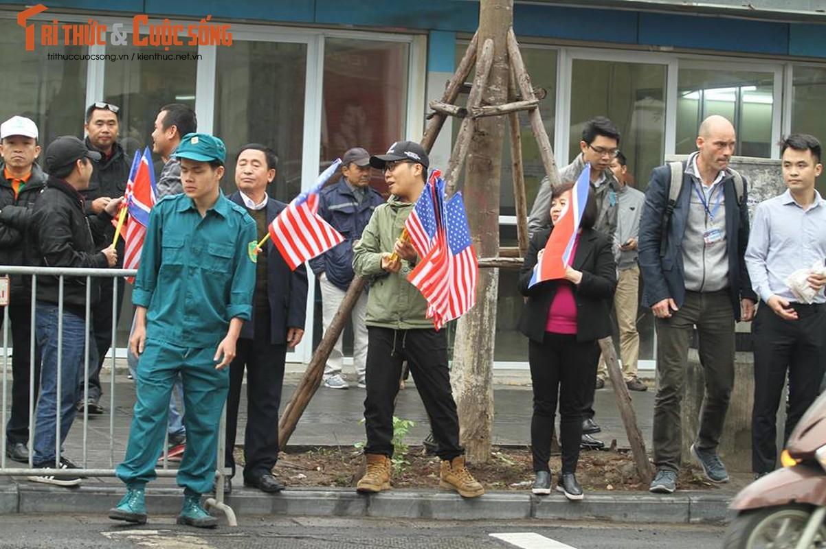 Xuc dong hinh anh nguoi dan Ha Noi don mung Chu tich Kim Jong-un-Hinh-6