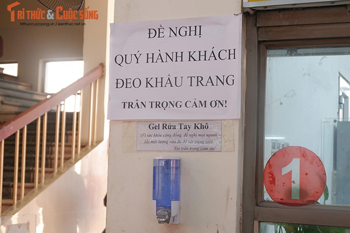 Ben xe nhon nhip dong nguoi ve que don Tet Duong lich nam 2021-Hinh-10