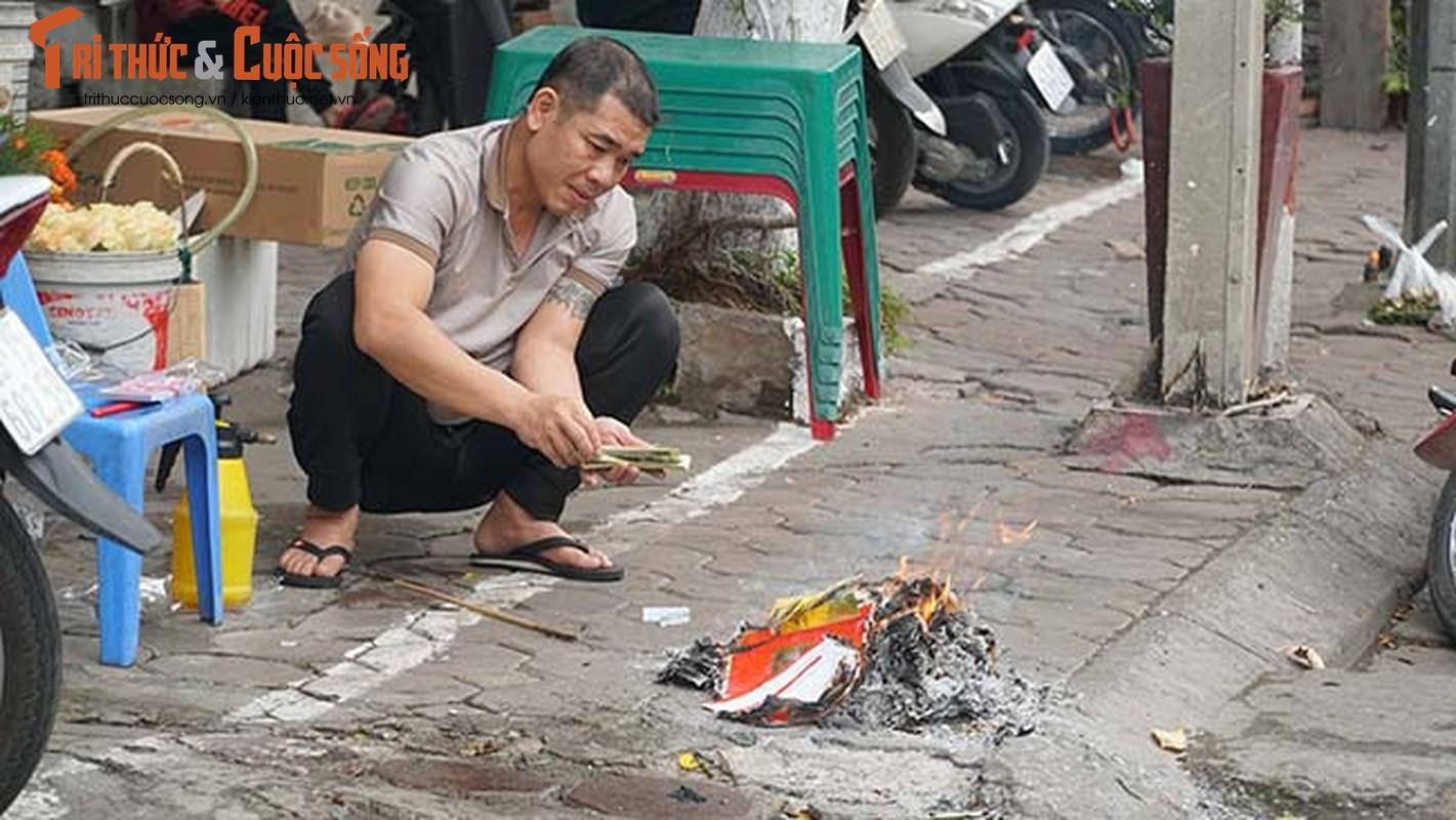 Via he Ha Noi do ruc lua dot vang ma ngay ram thang Gieng