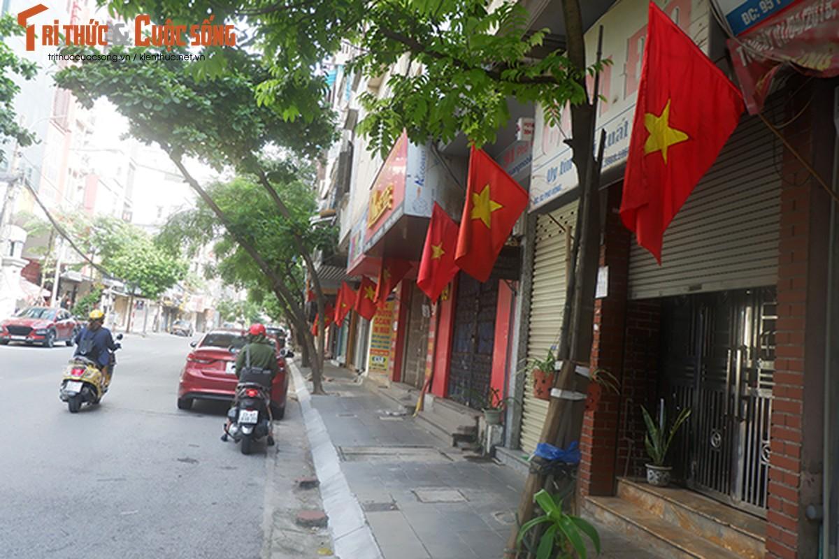 Pho phuong Ha Noi ruc ro co hoa chao mung Quoc khanh 2/9-Hinh-3