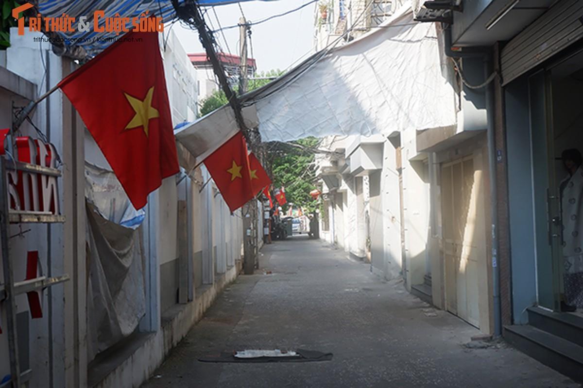 Pho phuong Ha Noi ruc ro co hoa chao mung Quoc khanh 2/9