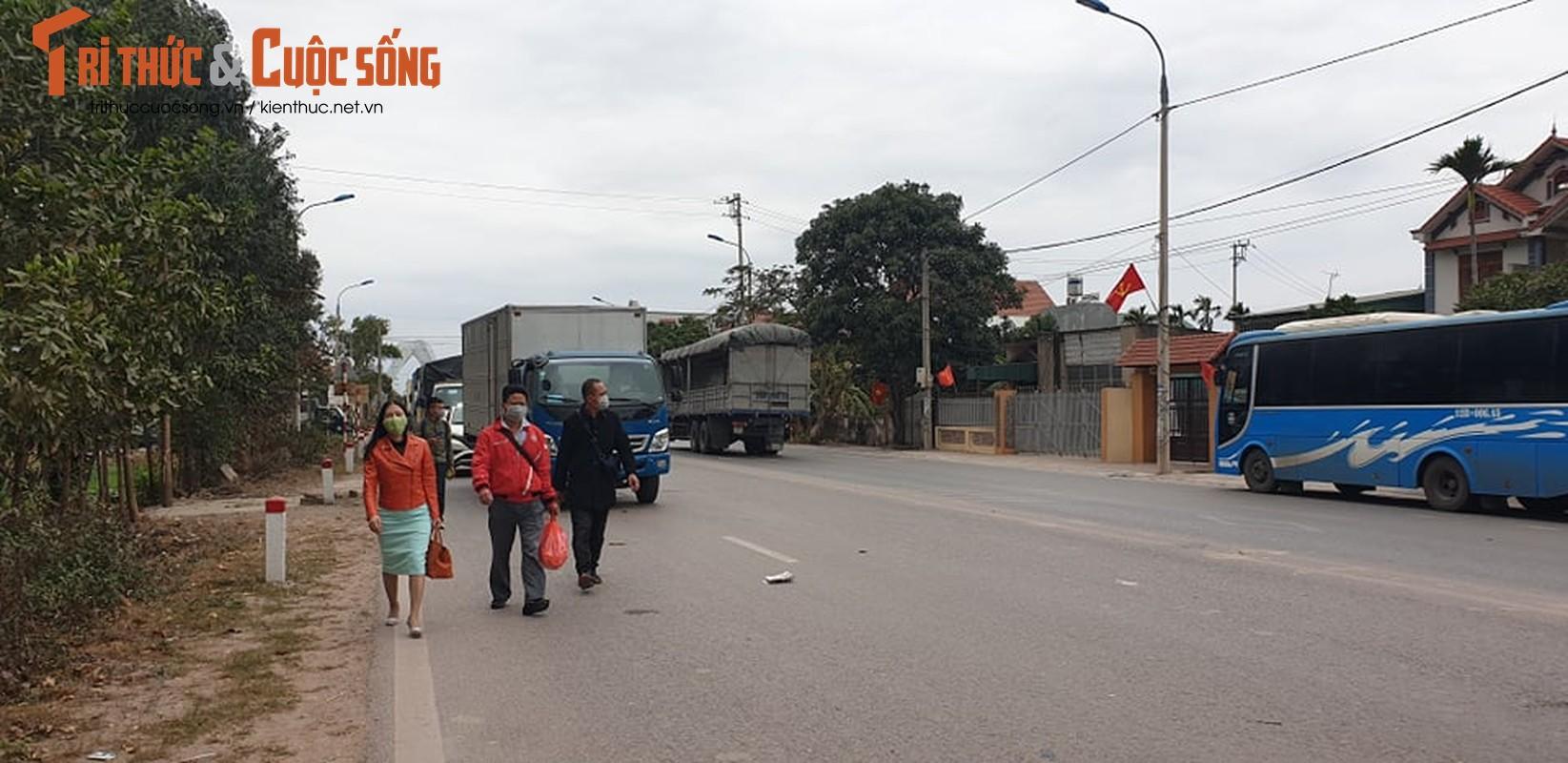 Quang Ninh lap chot kiem dich COVID-19, Quoc lo 18 un u keo dai-Hinh-8