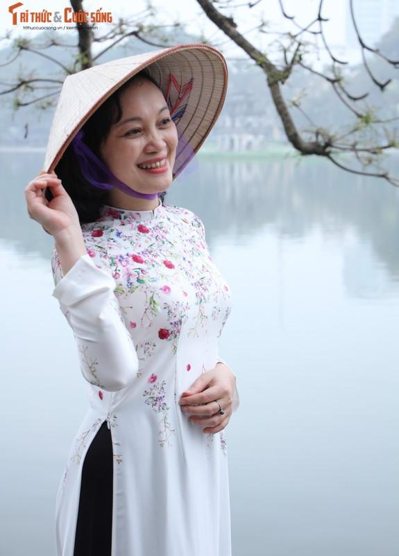Quoc te Phu nu 8/3: Net dep nu can bo, nhan vien VUSTA trong ta ao dai-Hinh-5