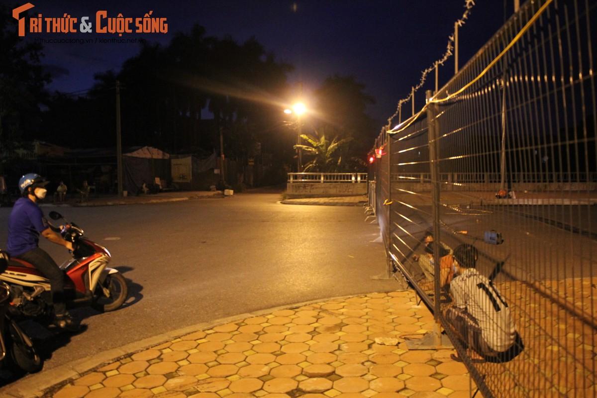 Ha Noi: Phuong Co Nhue 2 giang thep gai ngan dan vuot chot-Hinh-11