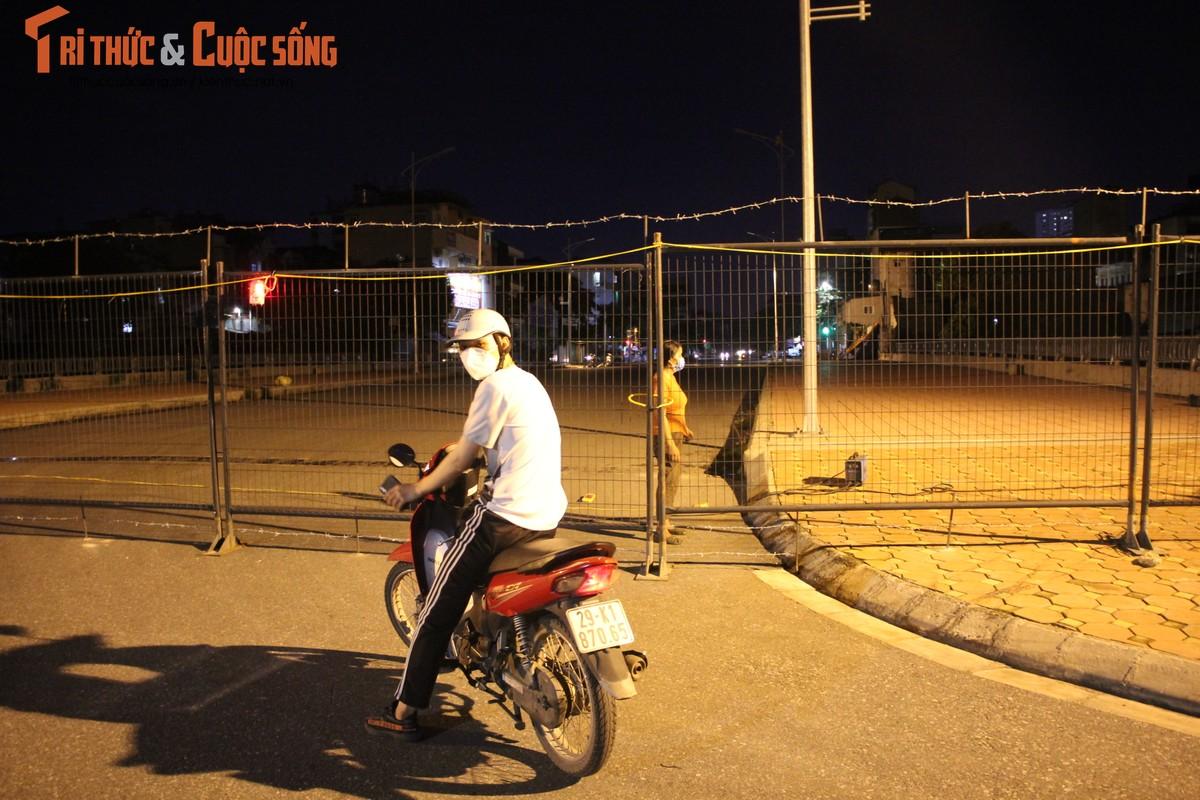 Ha Noi: Phuong Co Nhue 2 giang thep gai ngan dan vuot chot-Hinh-12
