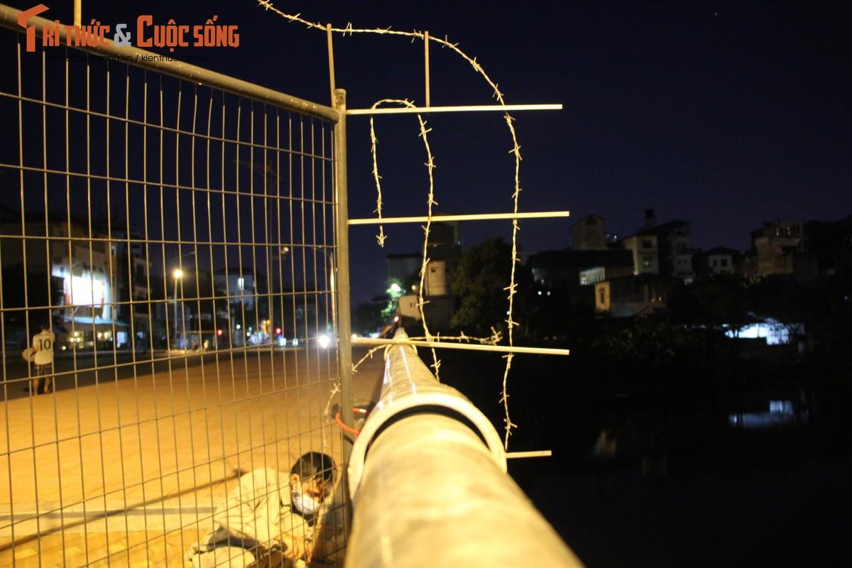 Ha Noi: Phuong Co Nhue 2 giang thep gai ngan dan vuot chot-Hinh-3
