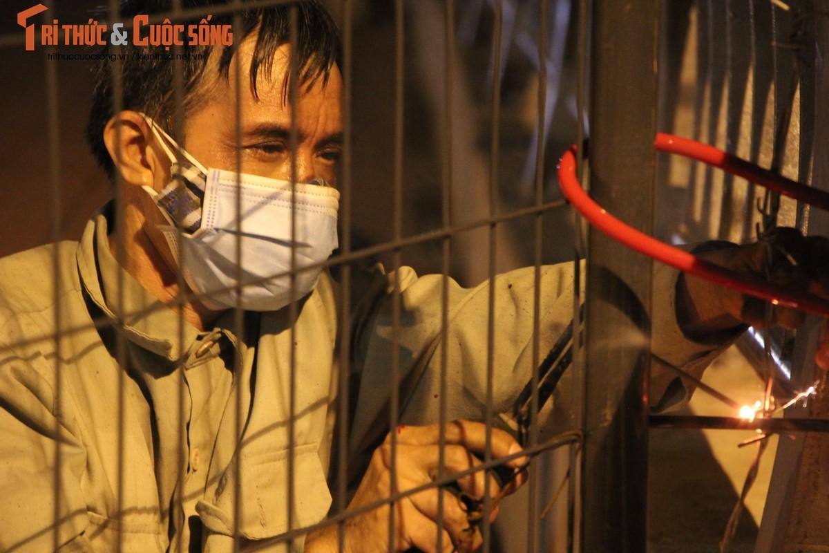 Ha Noi: Phuong Co Nhue 2 giang thep gai ngan dan vuot chot-Hinh-4